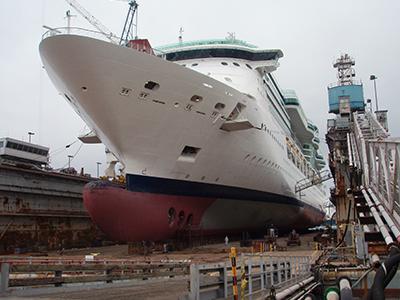 Grand Bahama Floating Dock 80,000TLC