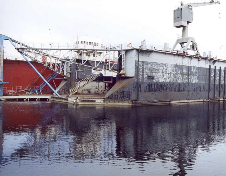 Floating Dock 58 Towage